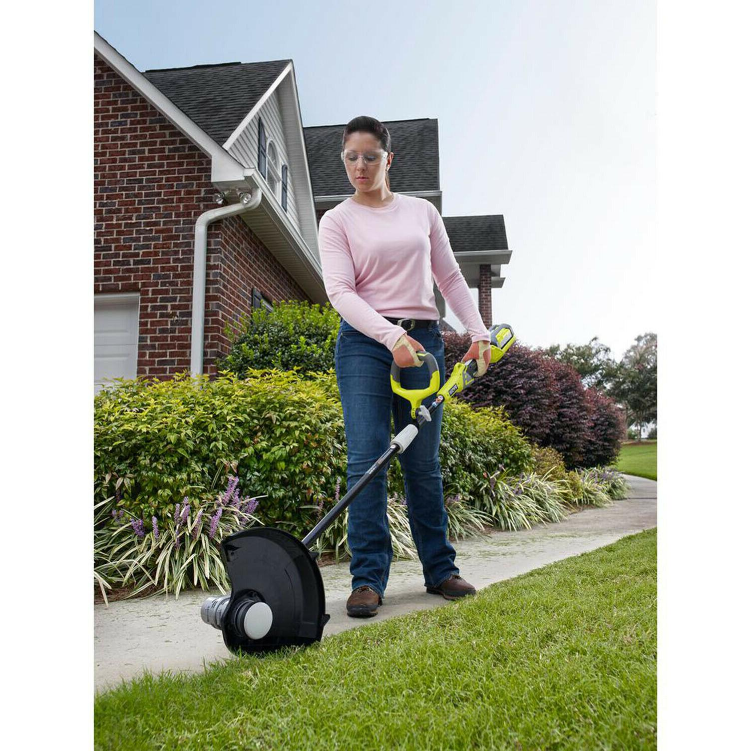 CORDLESS TRIMMER Ryobi Weed Wacker w/ 40v Charger